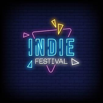 Tekst w stylu neonowym festiwalu niezależnego