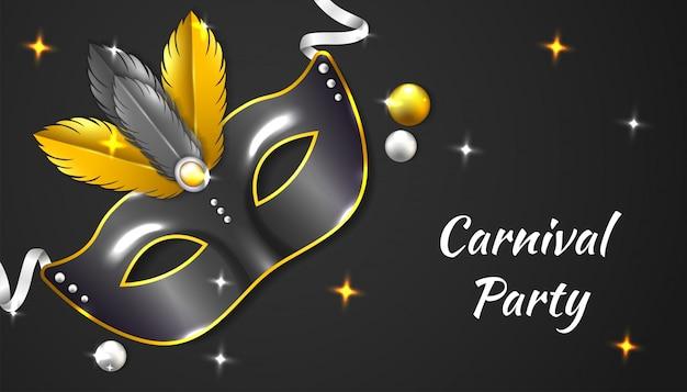 Tło carnival party z realistyczną maską, wstążką i piórkiem, w kolorze czarnym i złotym