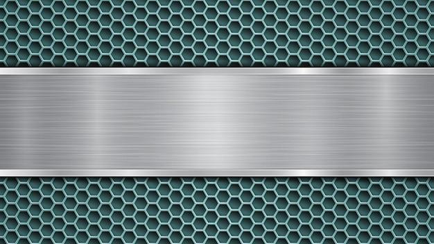 Tło jasnoniebieskiej perforowanej metalicznej powierzchni z otworami i poziomą srebrną polerowaną płytą z metalową fakturą, odblaskami i błyszczącymi krawędziami