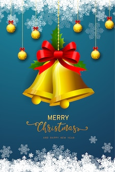 Tło wakacje z życzeniami na sezon i ozdobione dekoracyjnymi gałęziami choinek