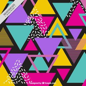 Tło z kolorowych trójkątów w stylu memphis