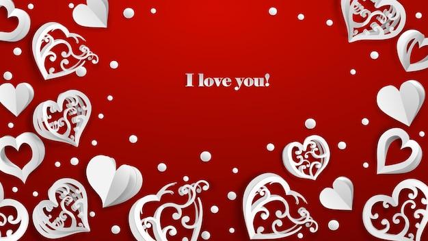 Tło z objętością papieru serca, konfetti i napis kocham cię, biały na czerwonym