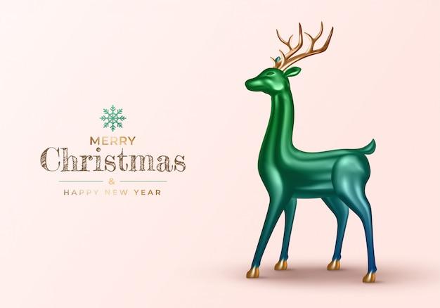 Tło z realistycznym 3d jelenia. świąteczny zielony metalik ze złotym reniferem.