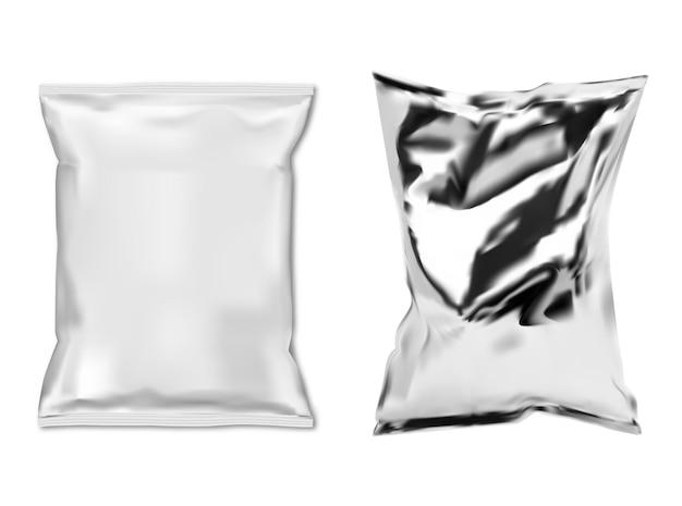 Torba na przekąski z folii. biała plastikowa saszetka na żywność na białym tle