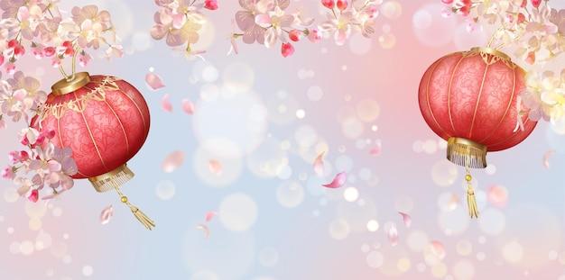 Tradycyjne tło festiwalu wiosna z latającymi płatkami i jedwabnymi lampionami. tło chiński nowy rok