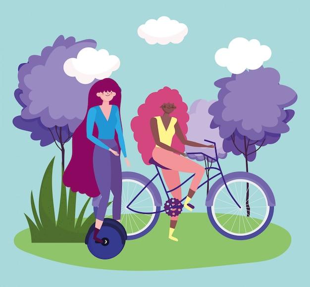 Transport przyjazny środowisku, kobiety z postaciami z kreskówek na monocyklu i rowerze