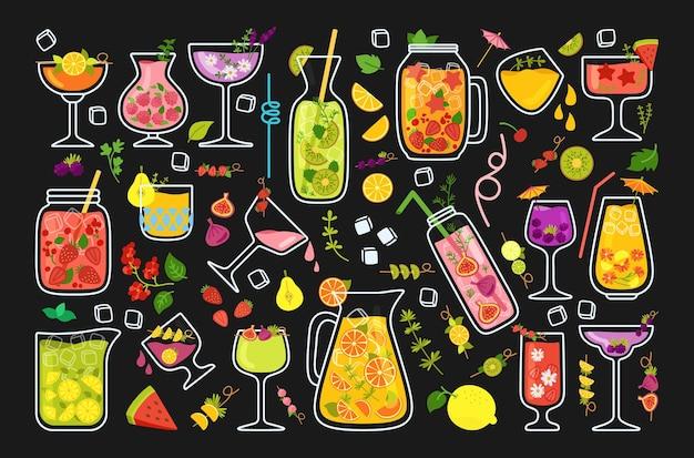 Tropikalne koktajle, zestaw letnich soków z kreskówek. lemoniada truskawkowa i herbata, świeże mojito i pomarańcza lub smoothie. szklane napoje i owoce