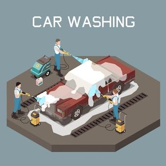 Trzech mężczyzn w mundurach myjących samochód osobowy z koncepcją izometryczną myjki wysokociśnieniowej