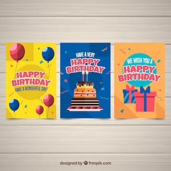 Trzy kolorowe kartki urodzinowe w płaskiej konstrukcji