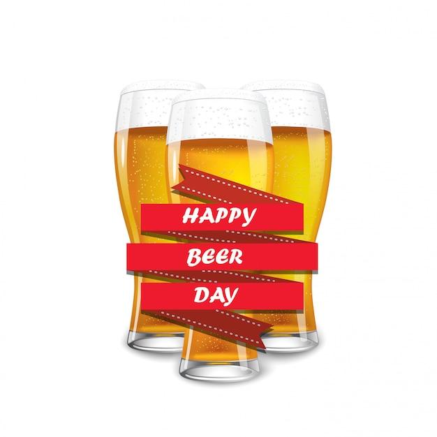 Trzy pełne szklanki piwa