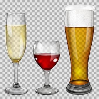 Trzy przezroczyste szklane kielichy z winem, szampanem i piwem. na tle w kratkę.