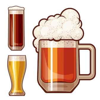 Trzy szklanki piwa na białym tle.