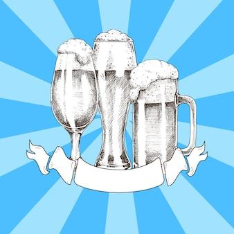Trzy szklanki piwa z plakatem wstążki oktoberfest