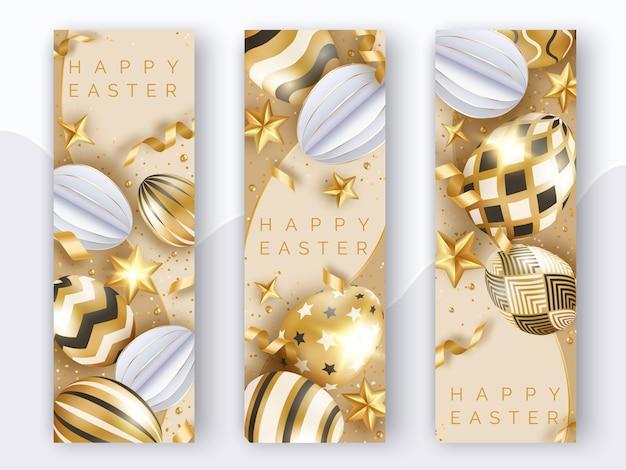 Trzy wielkanocne pionowe banery z realistycznymi złotymi jajkami, wstążkami, gwiazdkami i kulkami.