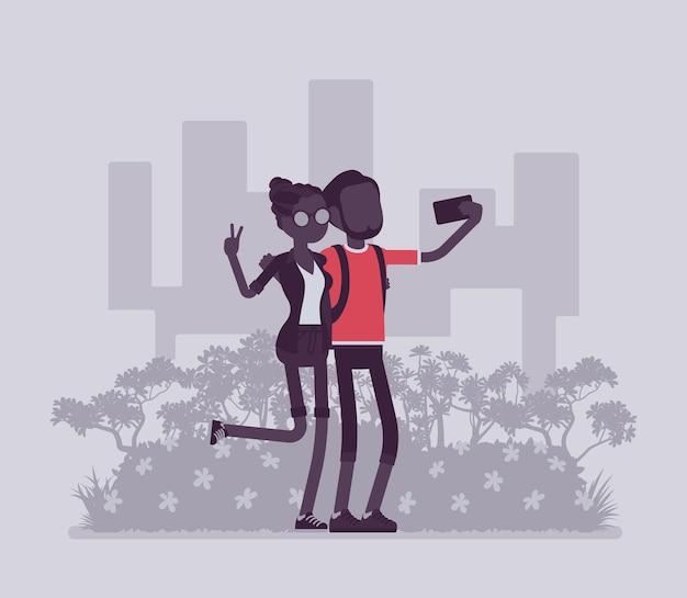 Turyści biorący selfie. młoda szczęśliwa para podróżująca, odwiedzająca miejsca dla przyjemności, fotografująca smartfonem do udostępnienia w mediach społecznościowych, autoportret. ilustracja wektorowa, postacie bez twarzy