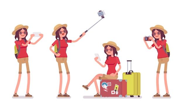 Turystyczna kobieta z gadżetami