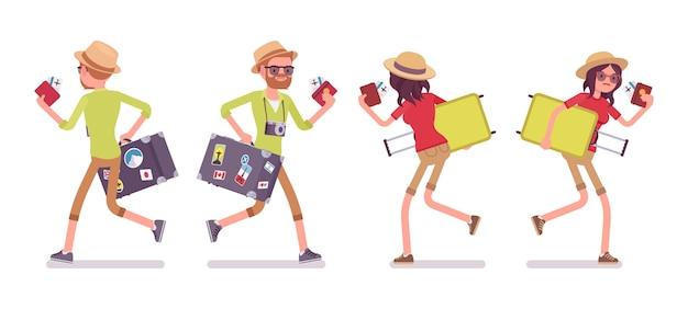 Turystyczny mężczyzna i kobieta działa