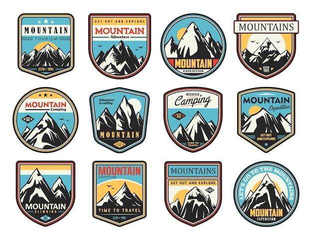 Turystyka górska i wspinaczka skałkowa zestaw ikon. eksploracja na świeżym powietrzu, sporty ekstremalne i wyprawa przygodowa.