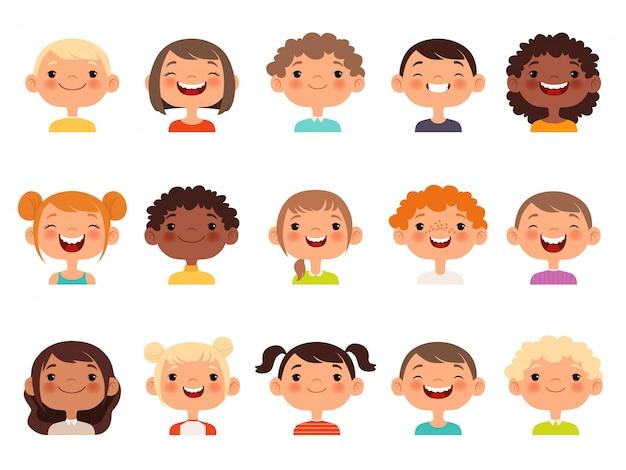 Twarze dzieci. wyrażenie dziecka stoi w obliczu kolekcji awatarów kreskówek małych chłopców i dziewcząt