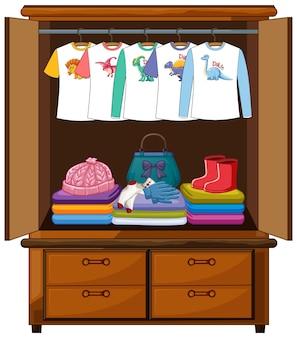 Ubrania w szafie na białym tle