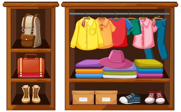 Ubrania wiszące w szafie z akcesoriami na białym tle
