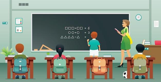 Uczniowie piszą odpowiedzi na tablicy przed klasą z nauczycielem.