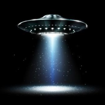Ufo. niezidentyfikowany obiekt latający. futurystyczne ufo na czarnym tle. fotorealistyczna ilustracja.
