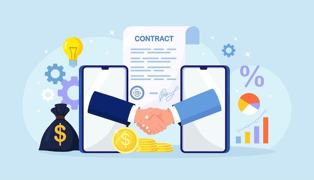 Umowa online, zawarcie transakcji. dwaj mężczyźni rozmawiają przez ekrany telefonów, podają sobie ręce. biznesmen uzgadniania na smartfonie. partnerstwo biznesowe. uścisk dłoni po udanych negocjacjach