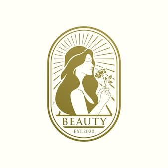 Unikalny szablon logo piękna złota kobieta