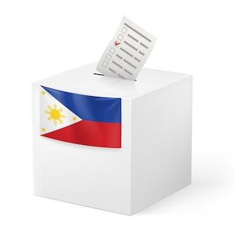 Urna z kartą do głosowania. filipiny