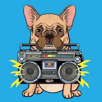 Uroczy pies gryzie boombox
