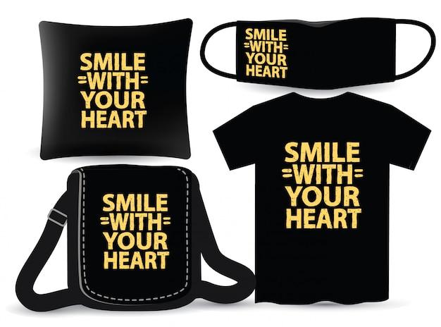 Uśmiechaj się z sercem z napisem na koszulce i gadżecie