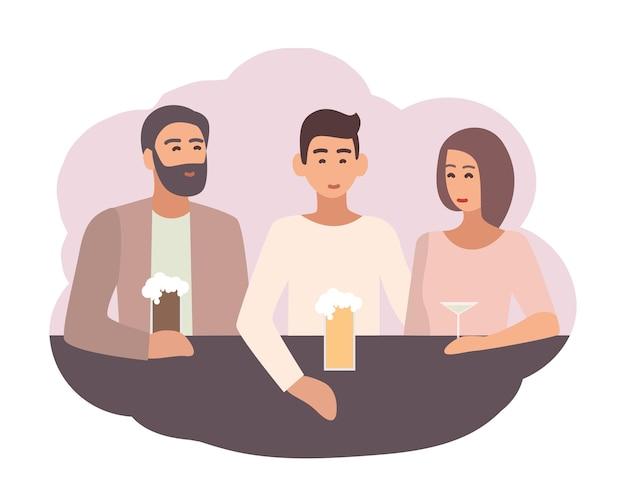 Uśmiechnięty mężczyzna siedzi przy barze z przyjaciółmi i pije piwo i koktajle. męska postać spędzająca czas z kolegami. scena życia codziennego. ilustracja wektorowa kolorowe w stylu cartoon płaskie.