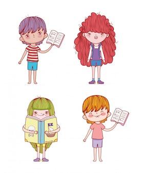 Ustaw chłopców i dziewczynki z informacjami o książkach
