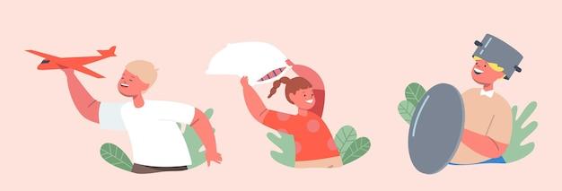 Ustaw dzieci robiące bałagan, mała dziewczynka walcząca na poduszkach, chłopiec nosi patelnię na głowie jak hełm i używaj pokrywki jako tarczy, zabaw postaciami z samolocikiem. ilustracja wektorowa kreskówka ludzie