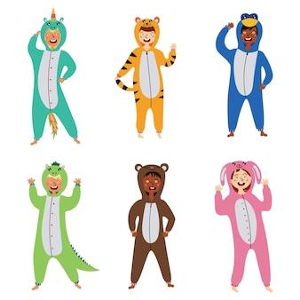 Ustaw kostiumy piżamy dla dzieci kigurumi