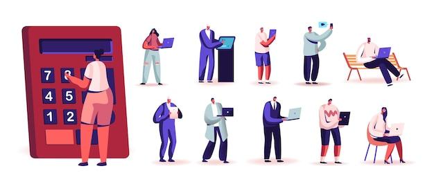 Ustaw ludzi z urządzeniami cyfrowymi. małe postacie męskie i żeńskie posiadają ogromny kalkulator, laptop, smartfon i tablet pc, mężczyźni kobiety używają gadżetów na białym tle. ilustracja kreskówka wektor