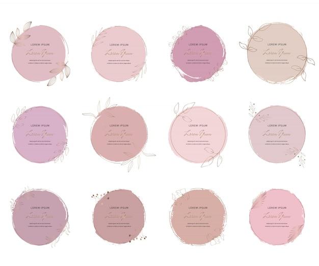Ustaw miękką pastelową różową okrągłą pociągniętą akwarelę teksturę ze złotymi wielokątnymi ramkami. geometryczny kształt z ręcznie rysowanymi akwarelowymi zmywaczami.