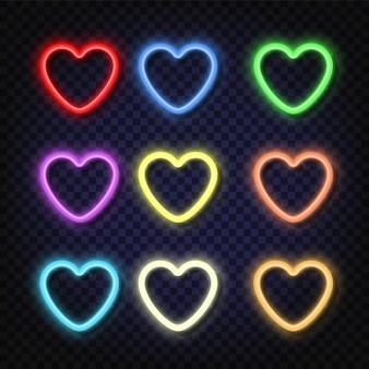 Ustaw neonowe banery w kształcie serca w różnych kolorach. efekt połysku i blasku. tabliczki z miejscem na napisy