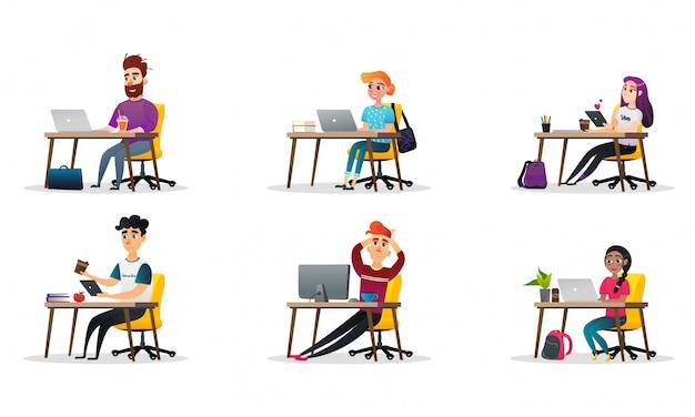 Ustaw uczniów studiujących projekty kolekcji postaci.