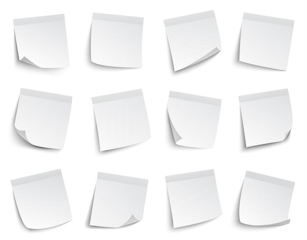 Uwaga naklejki papierowe. białe puste notatki papierowe, lepkie arkusze papieru, zestaw ilustracji biznesowych karteczek samoprzylepnych. pusta naklejka na papier do przypomnienia o poczcie biurowej