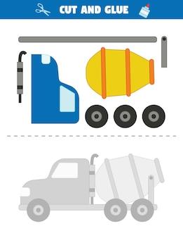 Użyj nożyczek, aby wyciąć części samochodu i przyklej je do wzoru. samochód betoniarki.