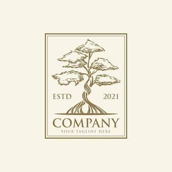 Vintage ręcznie rysowane logo drzewa