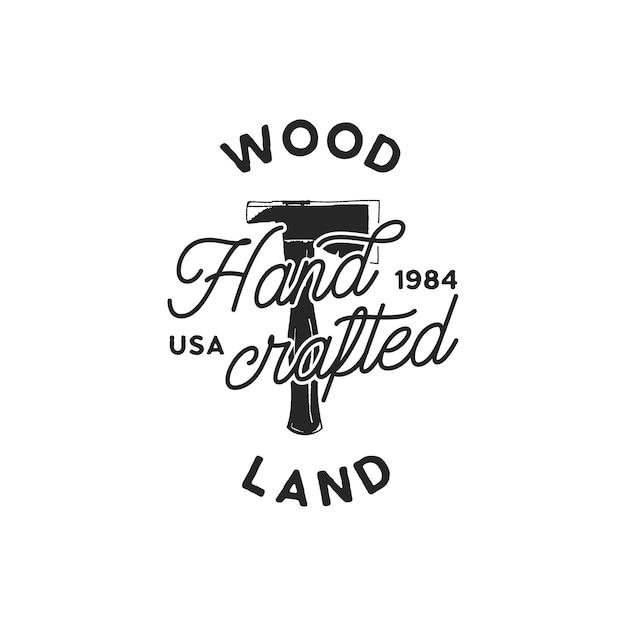 Vintage ręcznie rysowane logo woodworks i godło