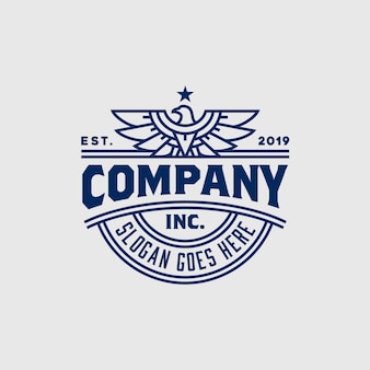 Vintage strong eagle hawk falcon emblem badge projektowanie logo