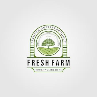 Vintage świeże farmy z logo drzewa