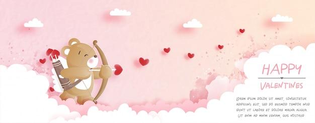 Walentynki karta z ślicznym misiem w papieru cięcia stylu ilustraci.