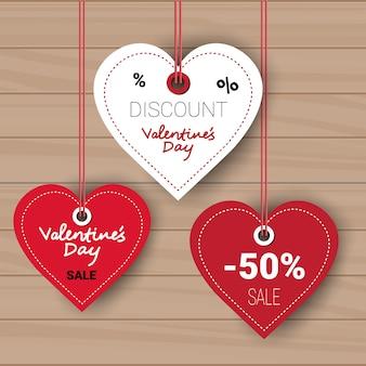 Walentynki zestaw sprzedaży zniżki tagi kolekcji na drewnianej ścianie