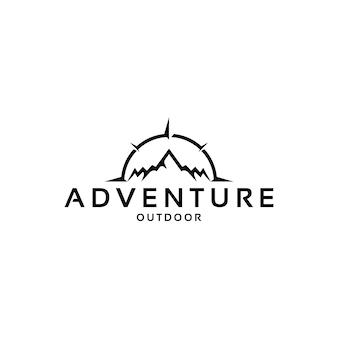 Wektor górski i kompasowy projekt logo przygody na świeżym powietrzu