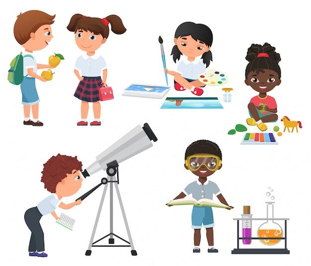 Wektor ładny aktywność uczniów w szkolnym zestawie. zestaw małych dzieci w szkole.